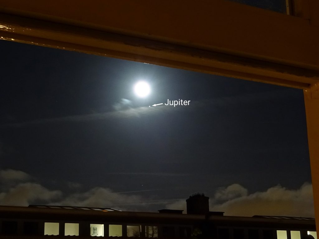 Jupiter close to our full moon